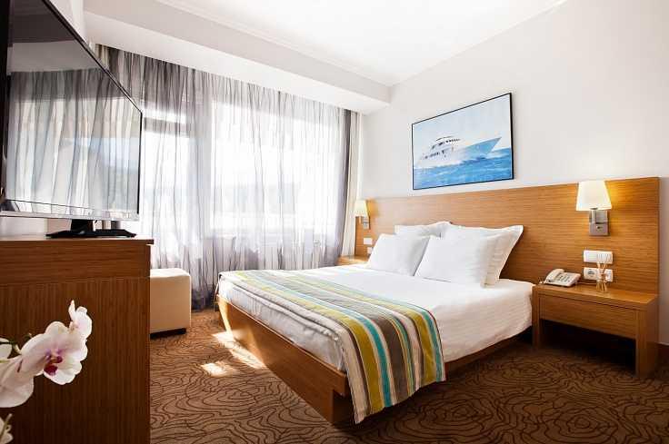 Стандарт двухкомнатный в Отель Yalta Intourist