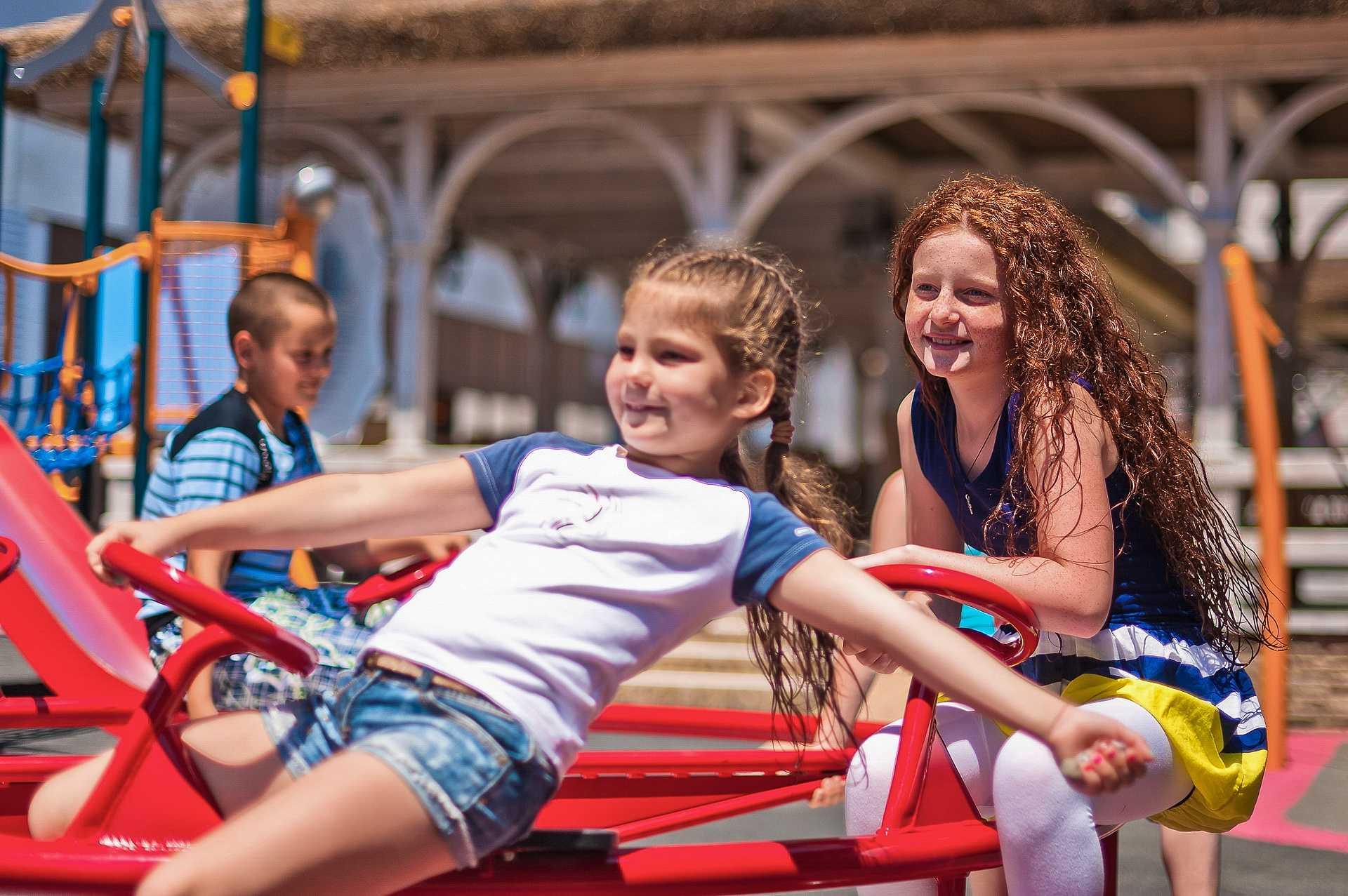 Детская площадка - Отель Yalta Intourist