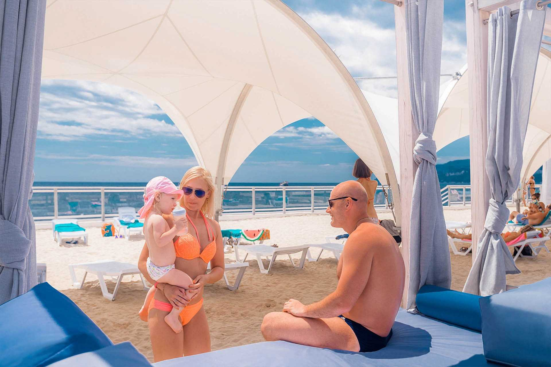 Море и пляж - Отель Yalta Intourist