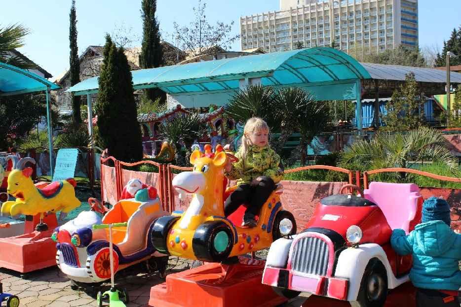 Детские аттракционы - Отель «Volna Resort & SPA»