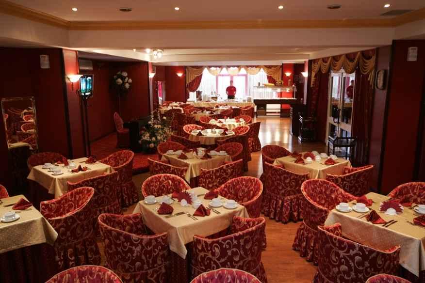Ресторан «Виктория» в Отель «Volna Resort & SPA»