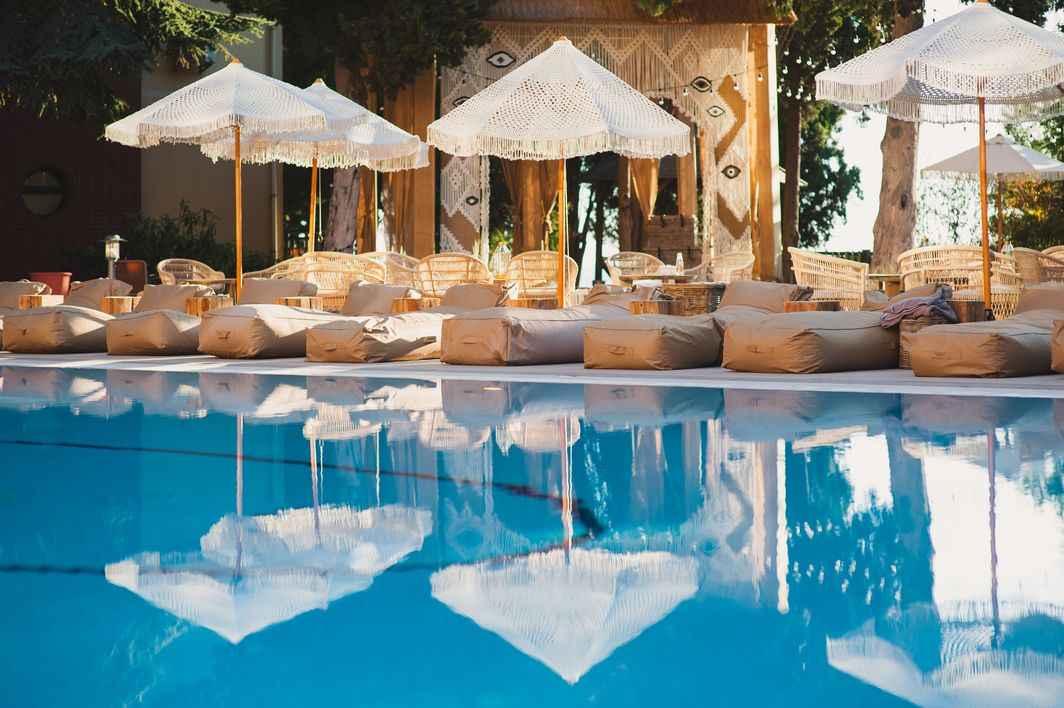 Центральный бассейн в More Spa & Resort