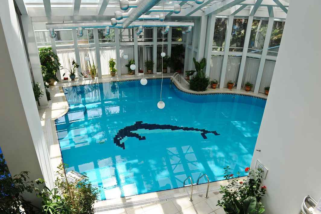 Бассейн СПА комплекса в More Spa & Resort