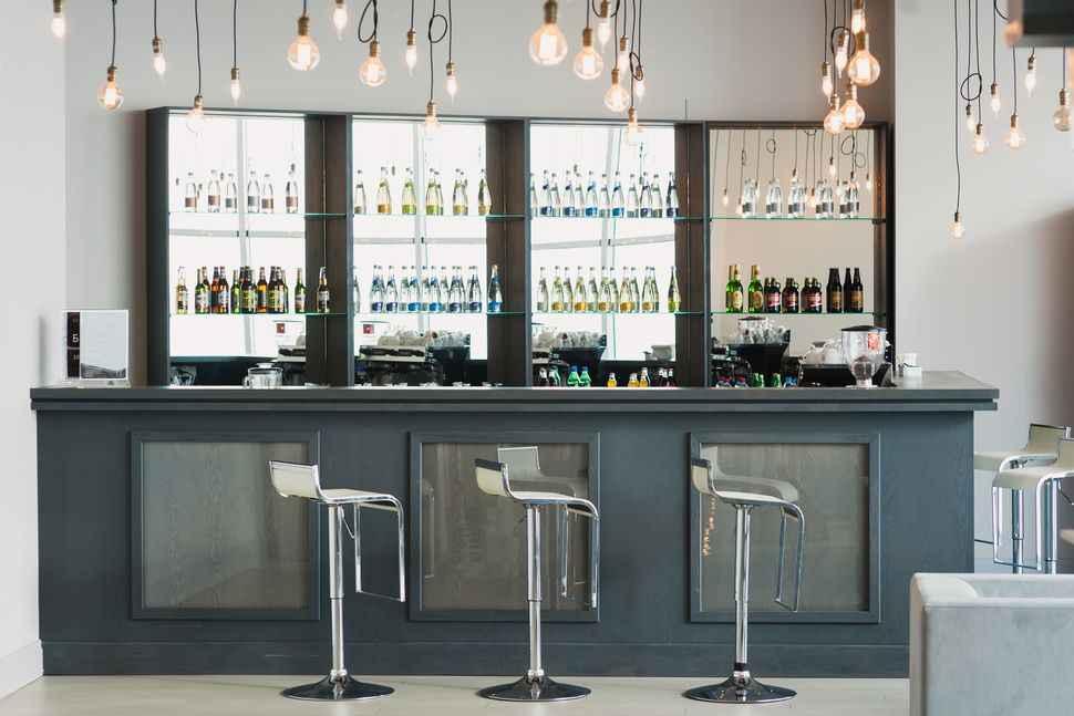 Лобби бар в More Spa & Resort