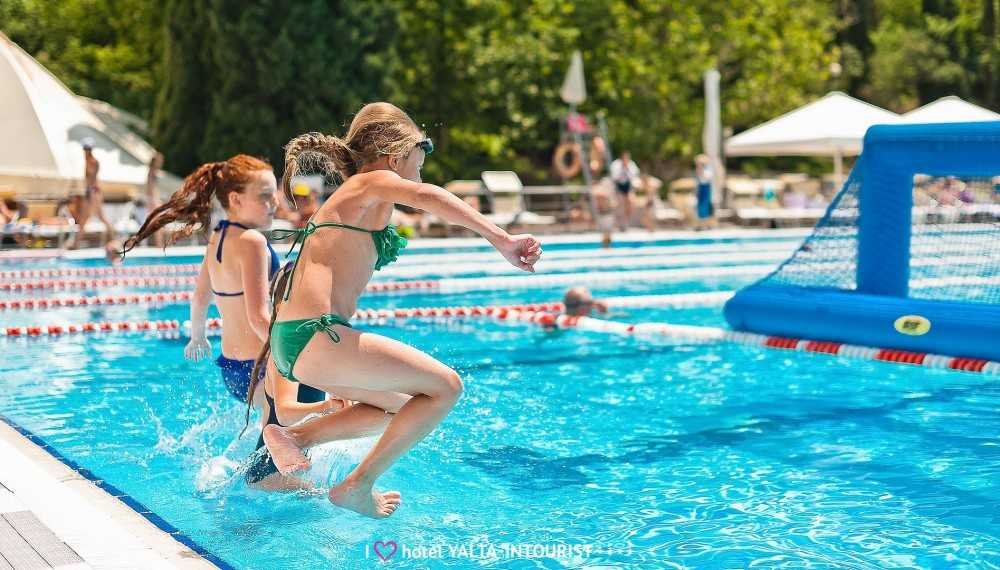 Олимпийский бассейн - Отель Yalta Intourist