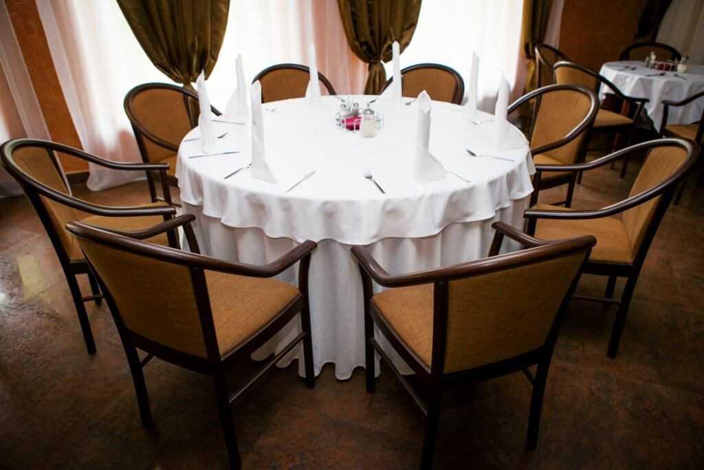 Основные залы ресторана в Парк-отель «Солнечный»