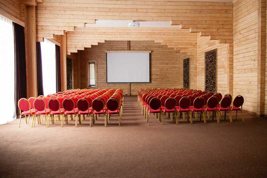 Зал «Еловый» в Парк-отель «Солнечный»