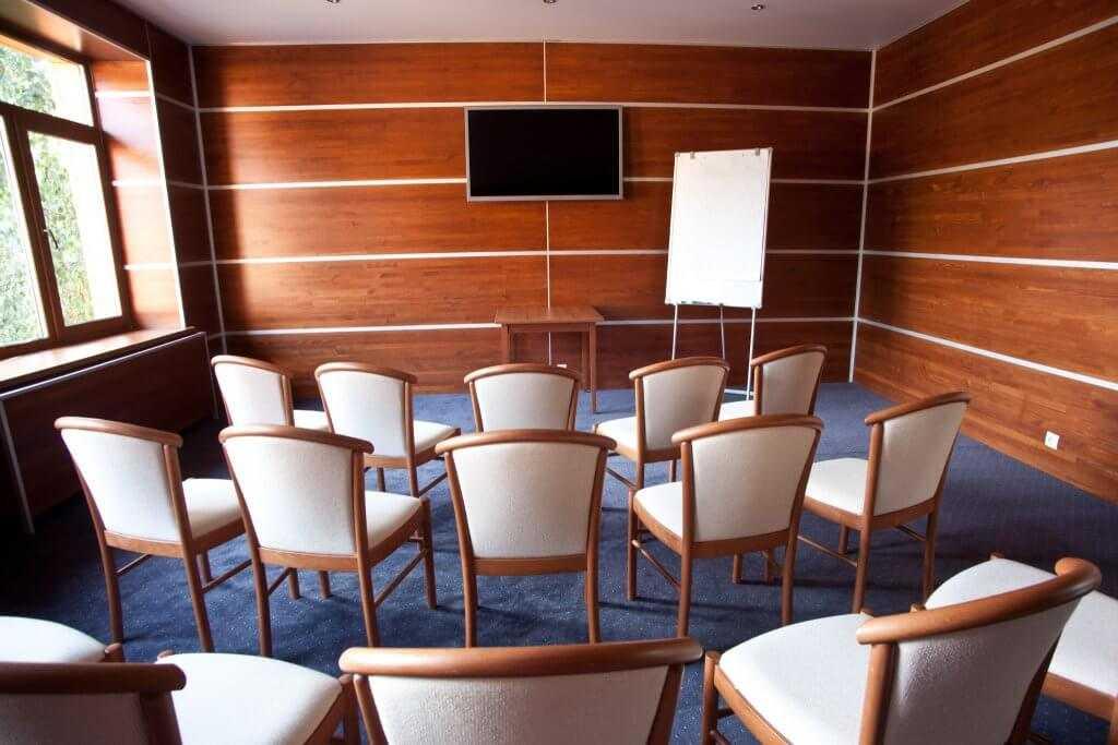 3 переговорные комнаты «Нептун», «Венера» и «Сатурн» в Парк-отель «Солнечный»