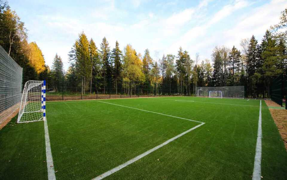 Футбольное поле в Парк-отель LES Art Resort