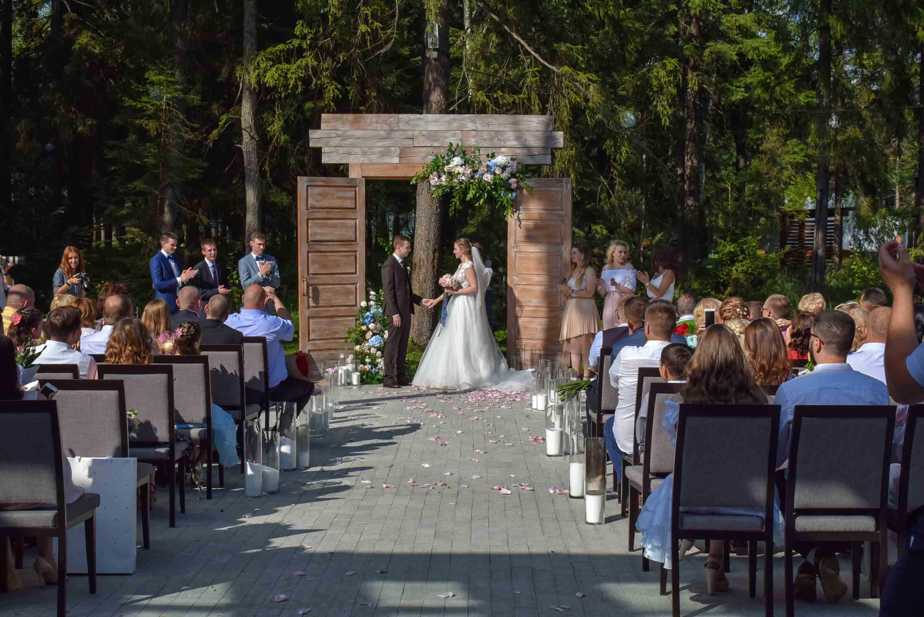 Организация свадеб в Парк-отель LES Art Resort