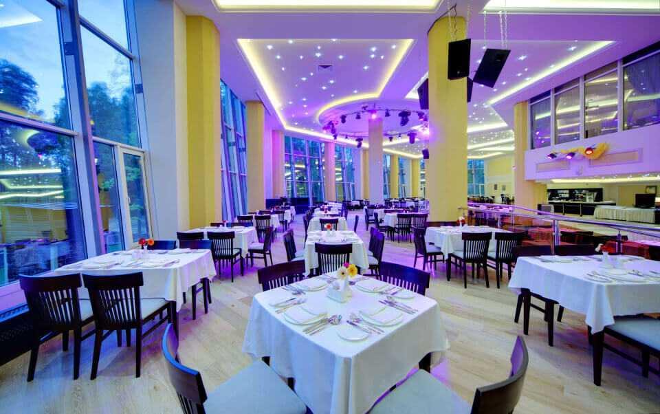 Ресторан «Podium» в Парк-отель LES Art Resort