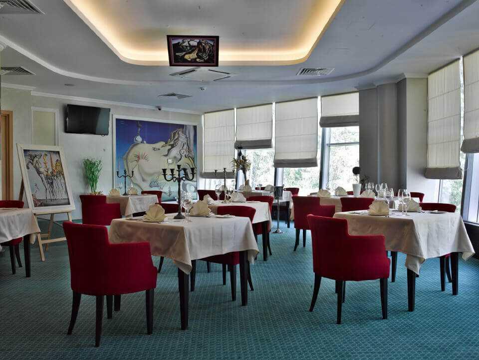 Арт-кафе «DALI» - Парк-отель LES Art Resort