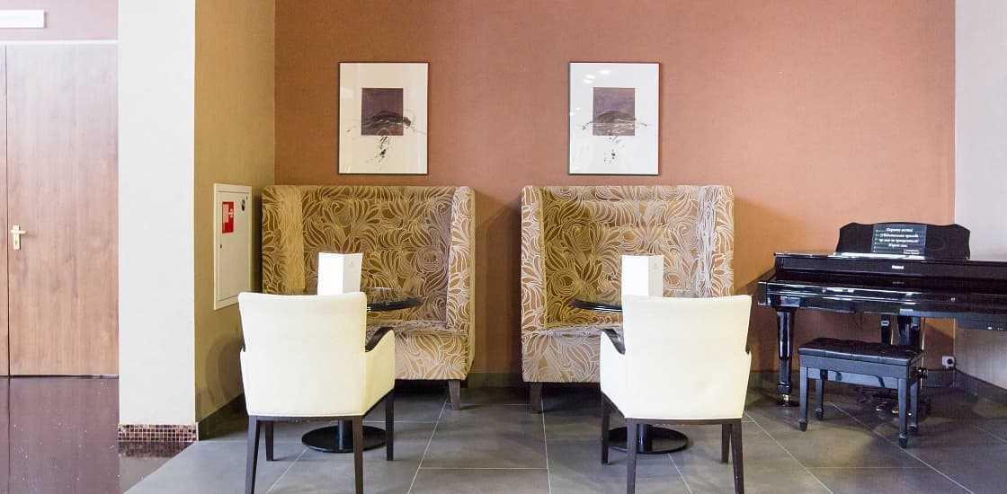 Лобби-бар в Артурс СПА отель