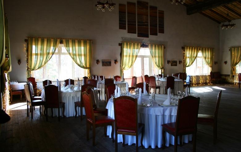 Панорамный ресторан A La Carte в Яхонты Таруса