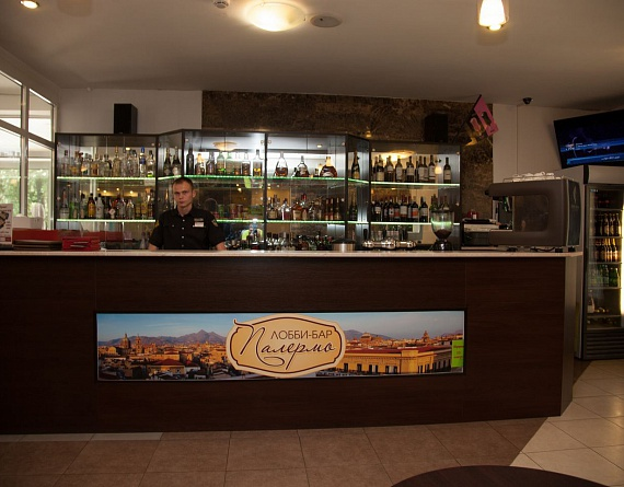 Лобби-бар Roots Coffee в Яхонты Истра