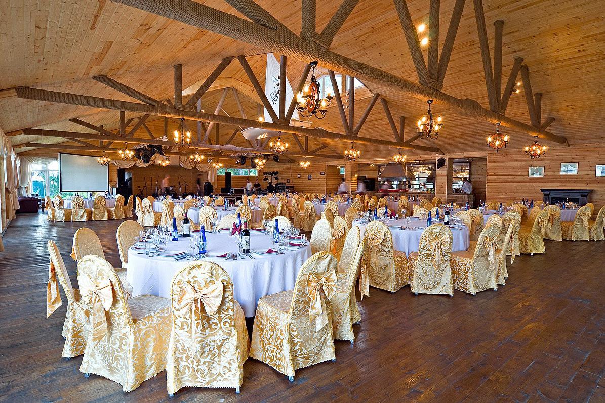 Ресторан «Парус» в Яхонты Истра
