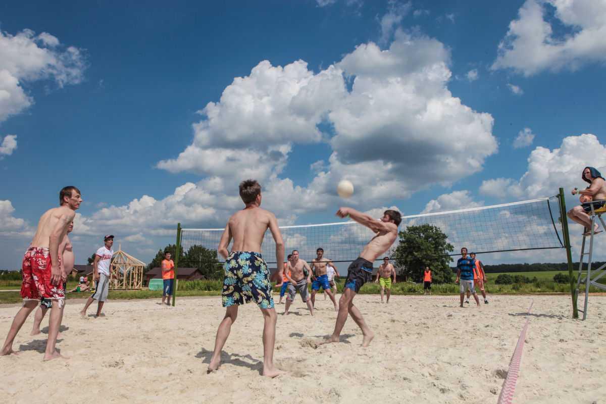 Пляжный волейбол в Парк-отель Орловский